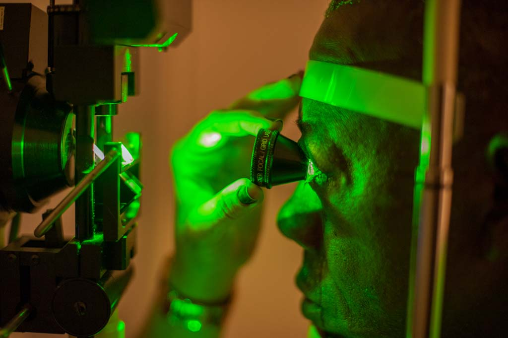 Retinal laser photocoagulation_4
